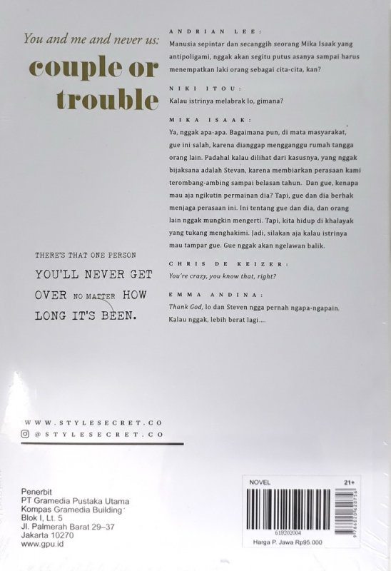 Cover Belakang Buku You and Me and Never Us: couple or trouble