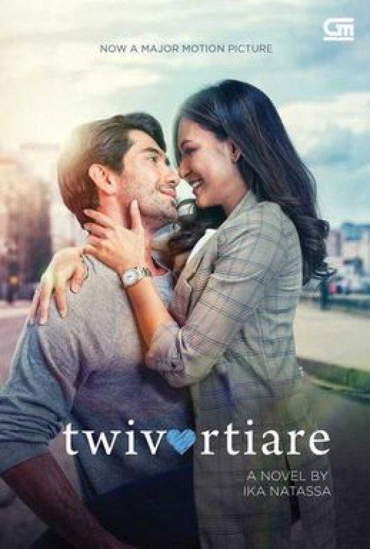 Cover Buku Twivortiare (Buku Berjaket Cover Film)