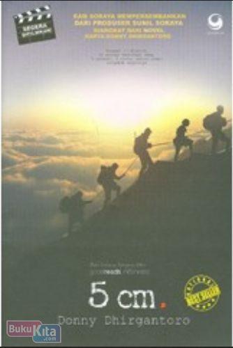 Cover Buku 5 cm (Edisi Cover Film Real)