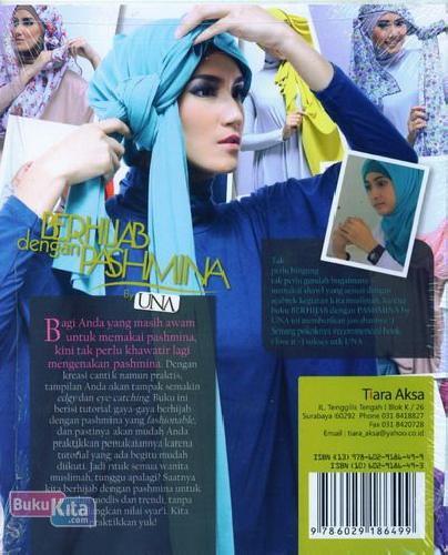 Cover Belakang Buku Berhijab dengan Pashmina