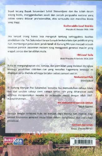 Cover Belakang Buku Pantulan Cahaya Islam Dari Gunung Menyan