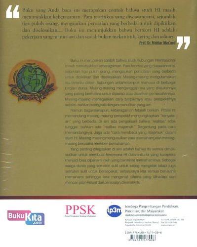 Cover Belakang Buku Theory Talks : Perbincangan Pakar Sedunia Tentang Teory Hubungan International Abad Ke-21