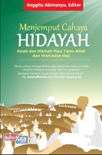 Cover Buku Menjemput Cahaya Hidayah