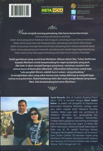 Cover Belakang Buku Sang Petualang