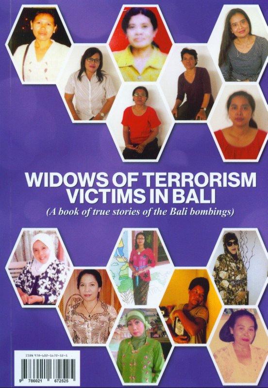 Cover Belakang Buku Janda-Janda Korban Terorisme Di Bali (Sebuah buku kisah nyata dari kejadian Bom Bali) (Disc 50%)